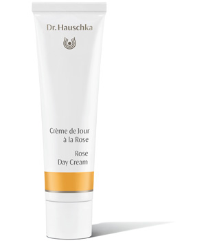 creme de jour a la rose dr hauschka 30ml. Black Bedroom Furniture Sets. Home Design Ideas